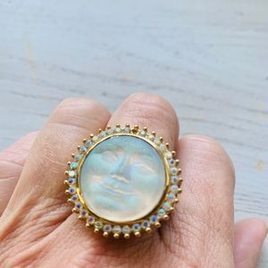 Kirks Folly moon face ring.